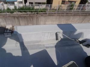 品川区 集合住宅 ウレタン防水 立上りメッシュシート補強貼り写真