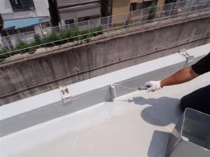 品川区 集合住宅 ウレタン防水 立上り ウレタン2層目写真