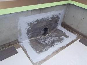 品川区 集合住宅 屋上防水 改修用ドレン固定・止水写真