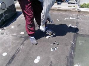 世田谷区集合住宅屋上防水工事 機械固定アンカー撤去写真