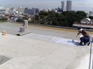 世田谷区集合住宅屋上防水工事 FRP防水通気緩衝シート02
