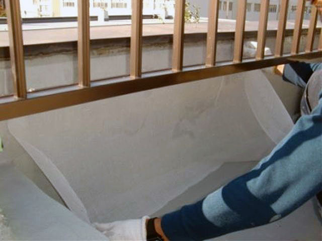 横浜市港北区屋上防水 手摺り架台立上り防水 メッシュ張り写真