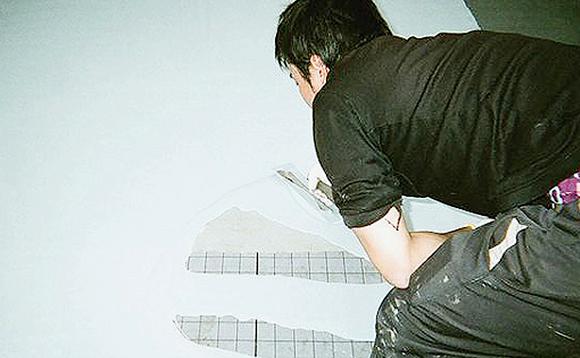 ウレタン塗膜防水 1層目ウレタン塗布作業