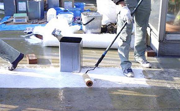 FRP防水 ガラスマット転圧作業