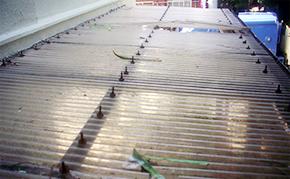 駐輪場屋根塗装:施工前